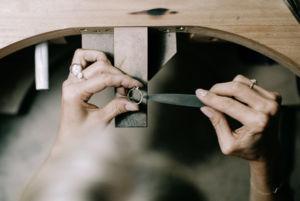 Ruční výroba každého šperku je poctivé řemeslo
